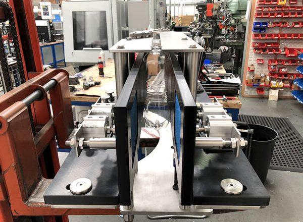 Adjustable conveyor 6